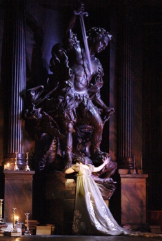 Tosca (Royal Opera House) (2017)